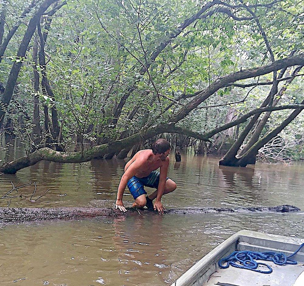Mossy Head Lumber retrieving sinker logs.