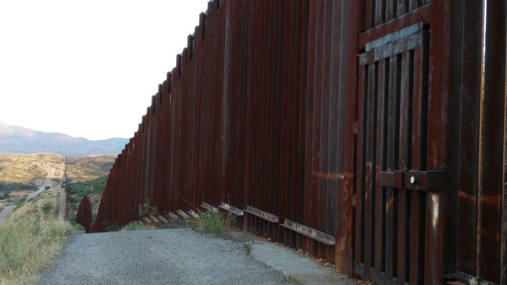 Patagonia Nogales Border Fence 3.jpg