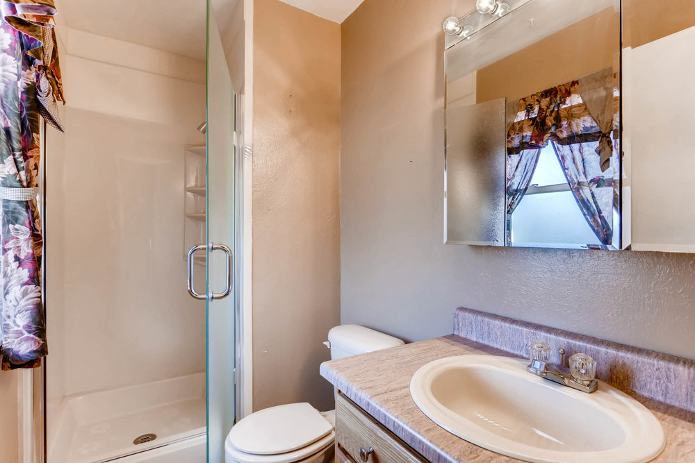 15001 E Gunnison Place Aurora-print-020-19-2nd Floor Master Bathroom-2700x1800-300dpi.jpg
