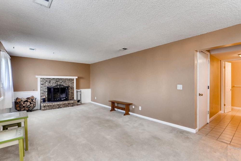 15001 E Gunnison Place Aurora-print-016-10-Family Room-2700x1800-300dpi.jpg