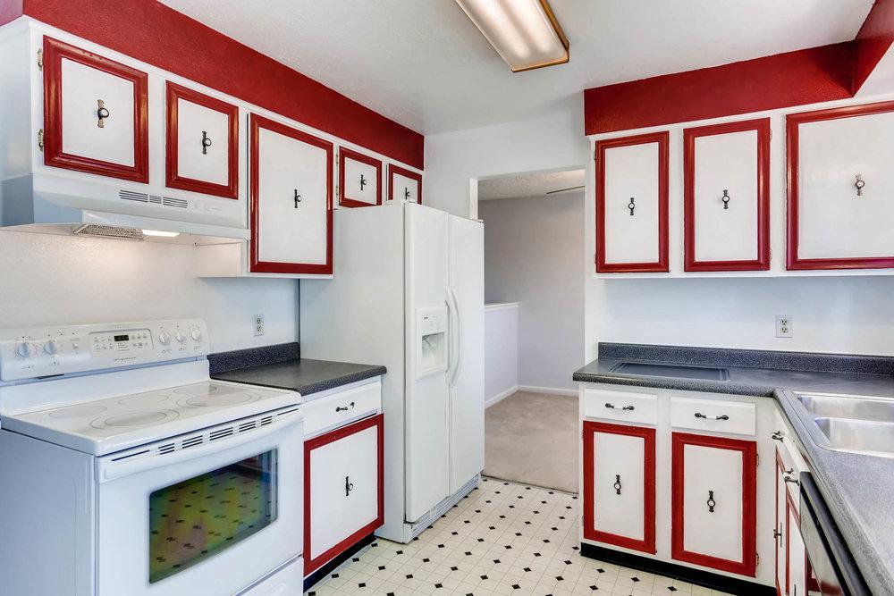 15001 E Gunnison Place Aurora-print-008-7-Kitchen-2700x1800-300dpi.jpg