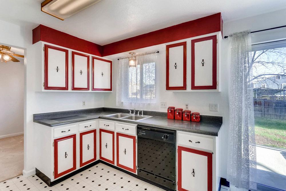 15001 E Gunnison Place Aurora-print-009-15-Kitchen-2700x1800-300dpi.jpg
