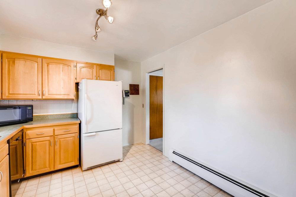 1655 S Monaco Parkway Denver-print-010-7-Kitchen-2700x1799-300dpi.jpg