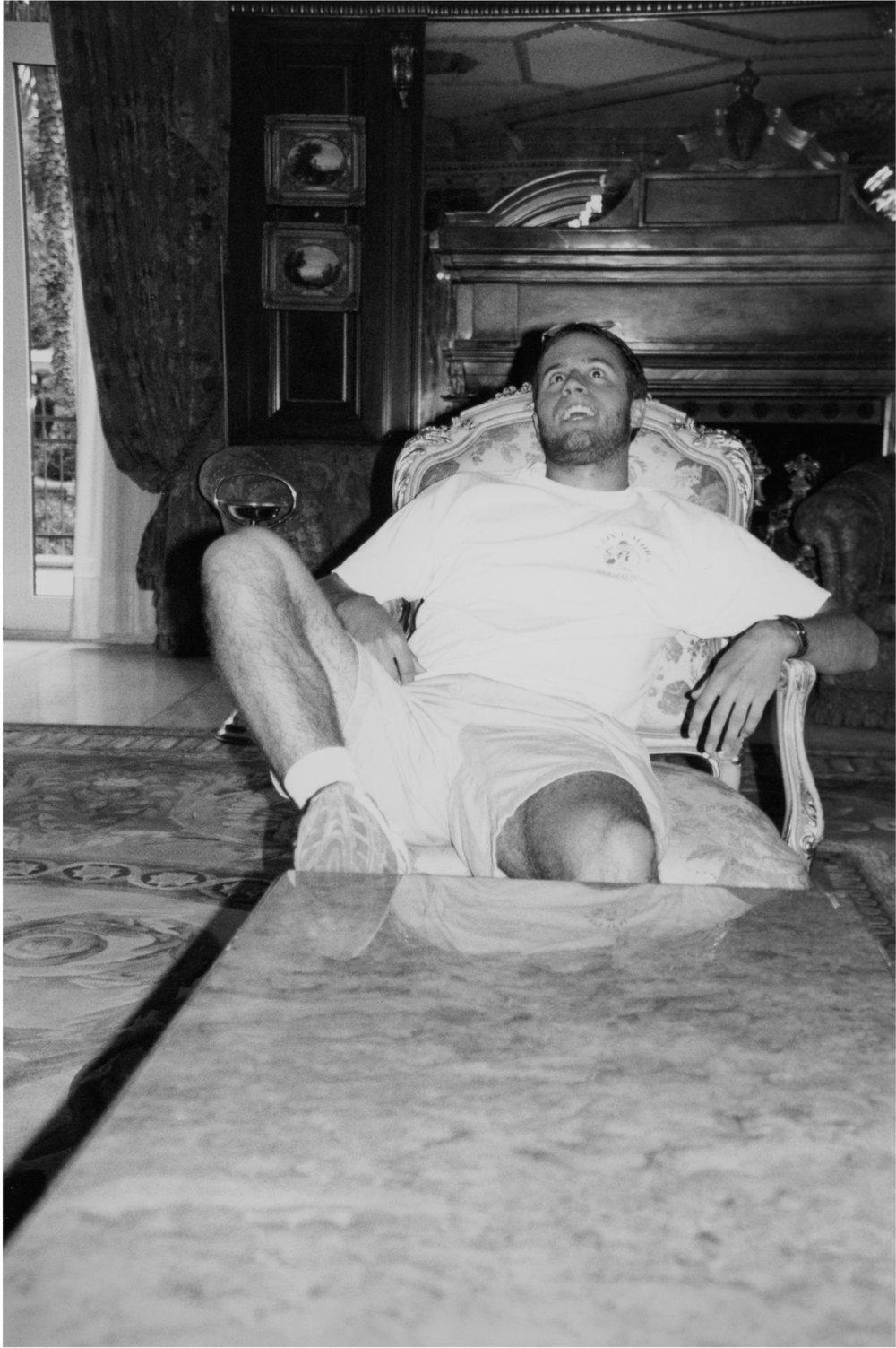 David sitting, 2017/2001