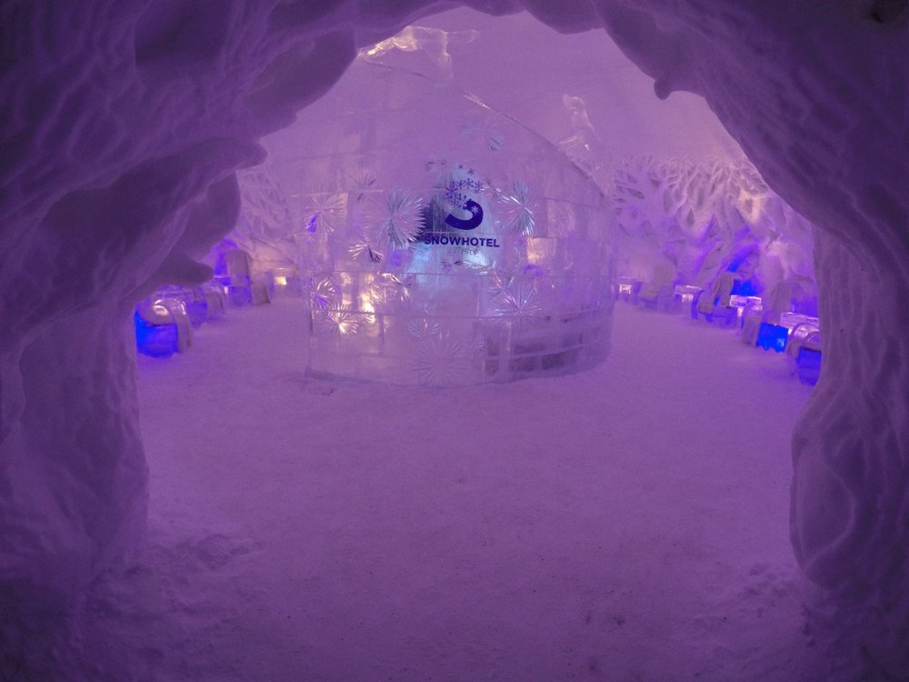 Snowhotel Entrance