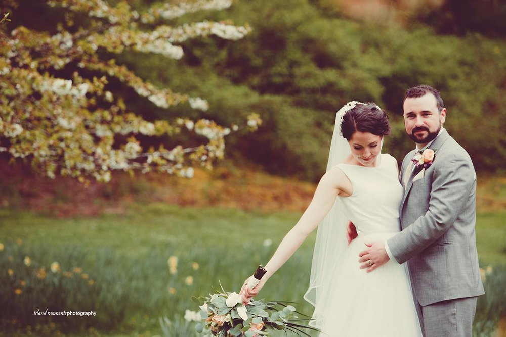 Deanna and Tim / Island moments Photography  Vancouver Island wedding planning