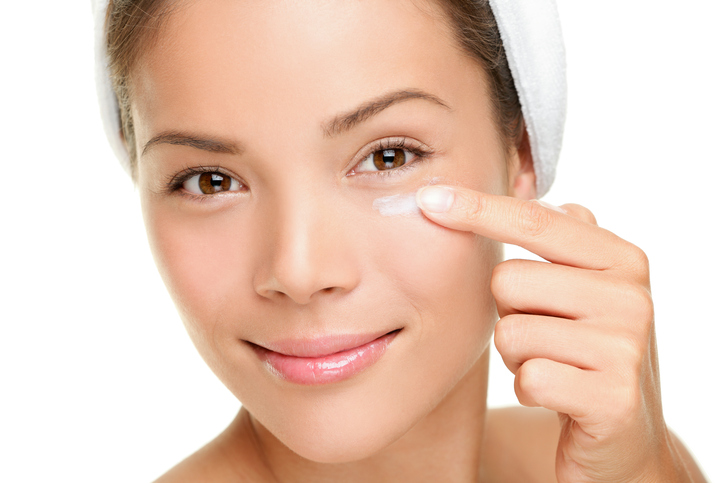 Face-cream-woman-159011477_725x483.jpeg