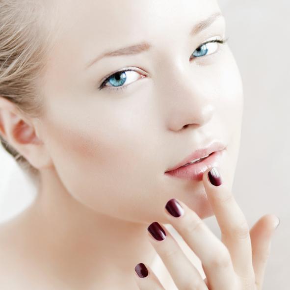 Manicure-155384396_594x594.jpeg