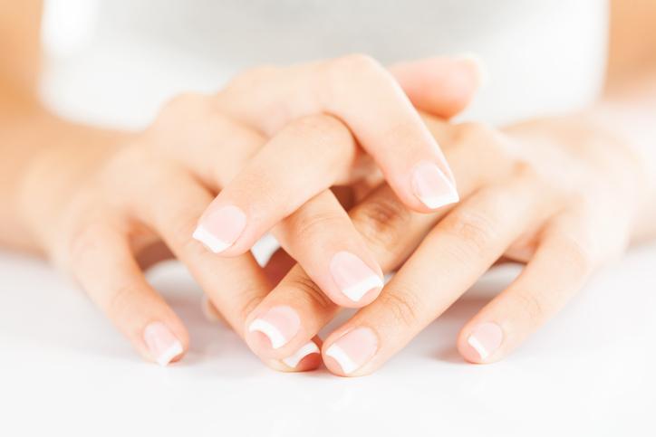 Manicure-171450858_725x483.jpeg