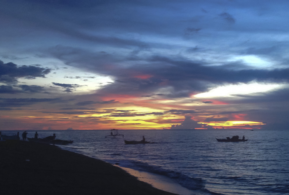 If you stay on the west coast of Camiguin, you'll enjoy some beautiful sunsets. This is a black sand beach not far from the airport. Most of the popular tourist spots are in the north-west quadrant of the island where the airport is located.