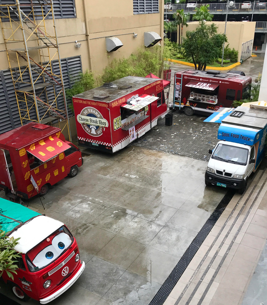 Food-trucks-at-UP-Town-Center.jpg