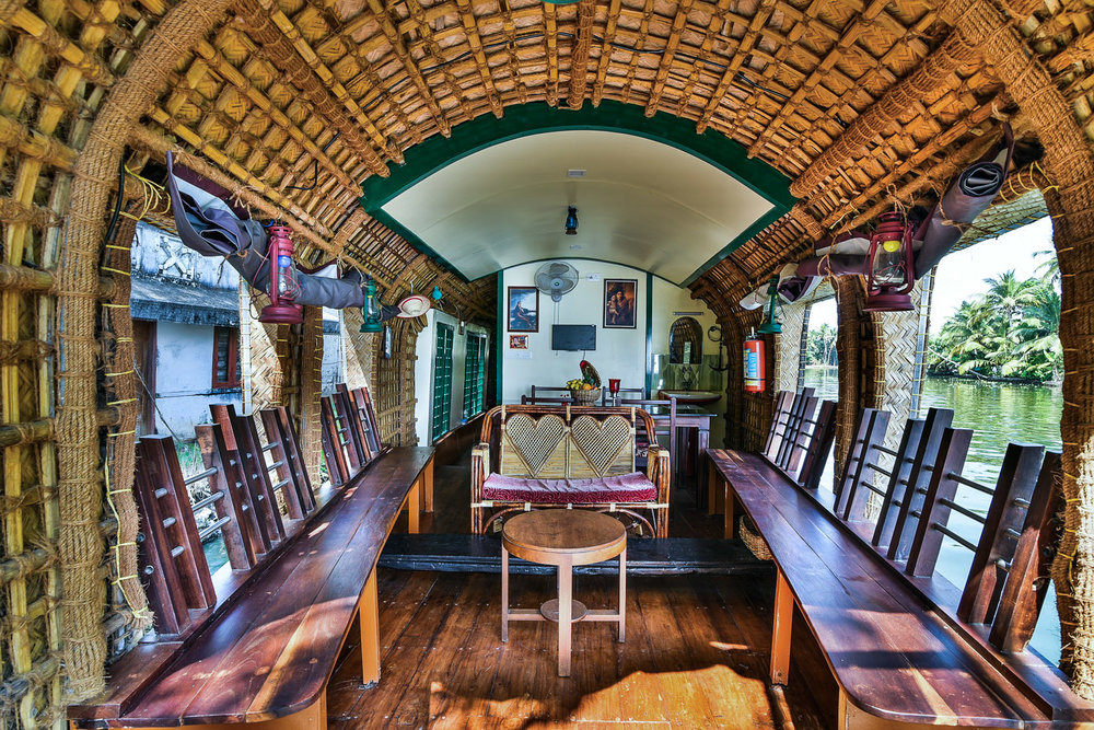 The interior of a well-maintained houseboat. Image:    Ravi Shahi