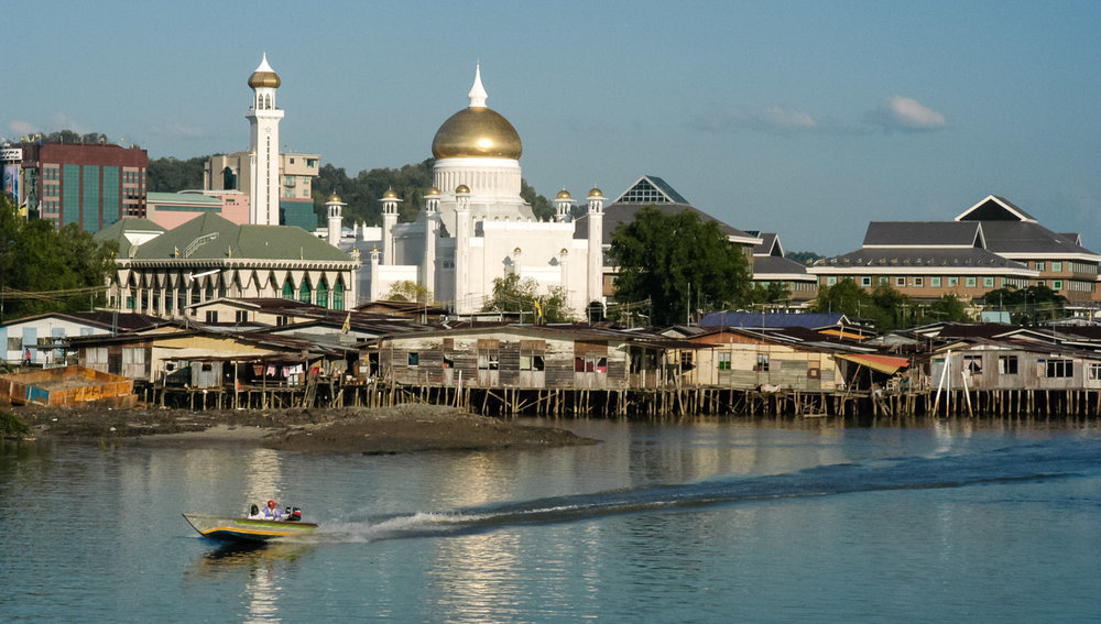 Water taxis are the only transportation to and from Kampong Ayer. Image: © David Astley
