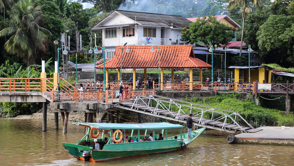 A water taxi jetty on the Sarawak River.   Image:  © Alan Williams