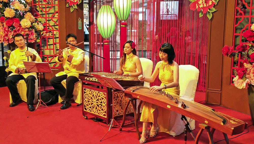 A Chinese New Year recital at a Kuala Lumpur shopping mall. Image: ©  Alan Williams
