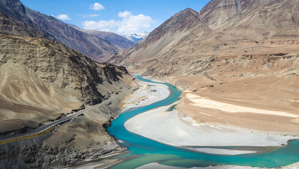 The Srinagar to Leh highway near Nimmoo. Image:     narumi31