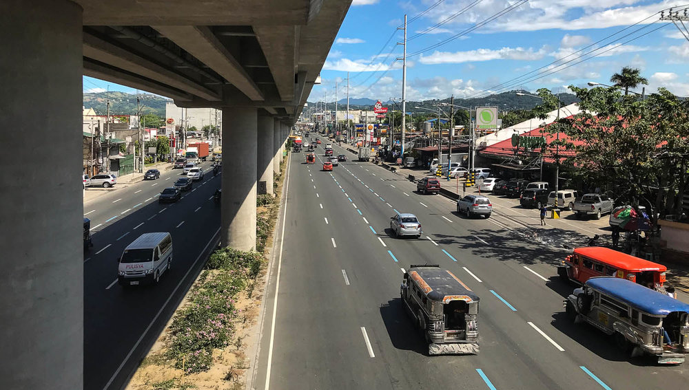 The Marcos Highway on a Sunday morning. Image:  © David Astley
