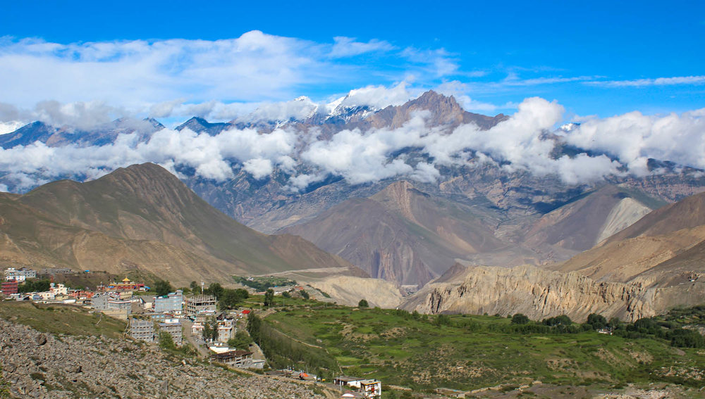 The Mustang Valley near the town of Muktinath. Image:     enbeeone3