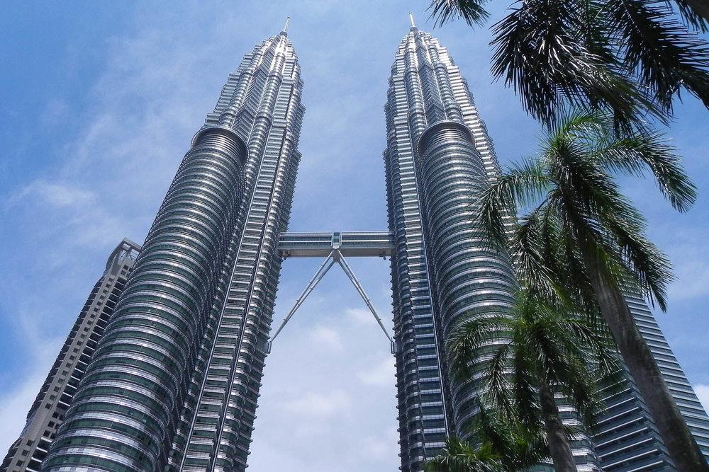 The skybridge of the Petronas Twin Towers. Image:     KuyaAndy