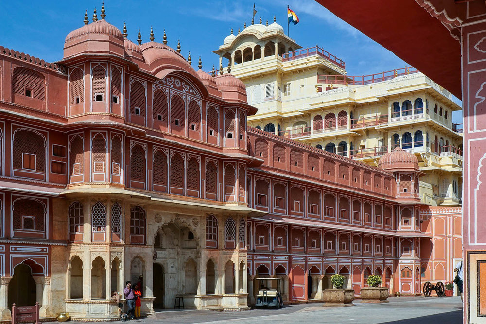 An historic palace in Jaipur's city centre. Image:     Volker Glätsch