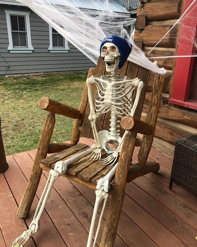 Waiting for ski season like.... #letitsnow #whereareyouwinter #timetosnowdance