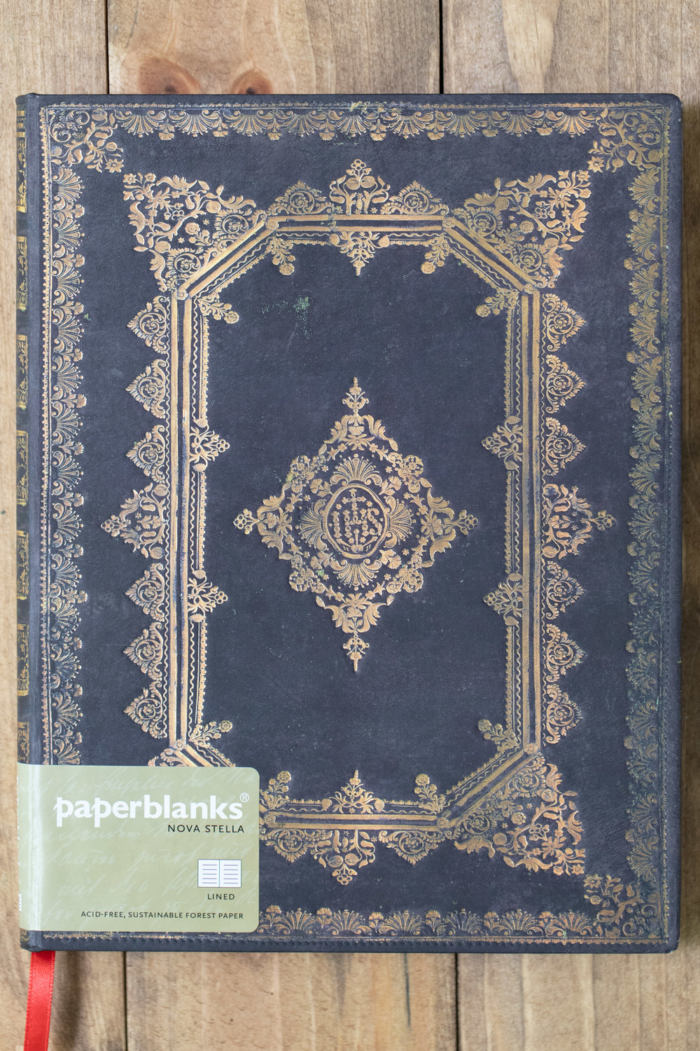 """Size - The notebook is 7"""" by 9"""", the Paperblanks Ultra size."""