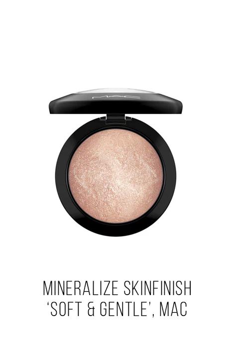 mineraliza-skinfinish-soft-mac.jpg