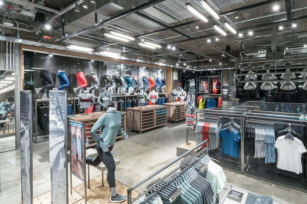 65dc7be050 Nova York    A Flagship Store da Adidas — H Y P N O T I Q U E