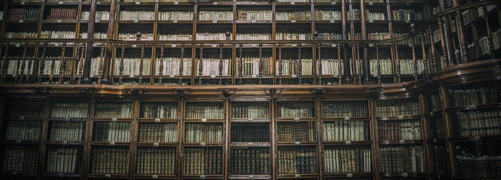 library_dark.jpg