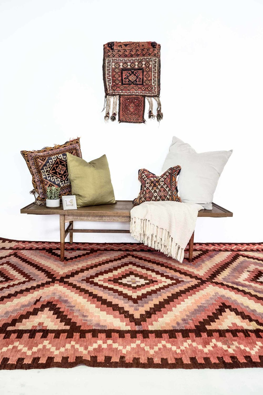 NO. 0149 /   PERSIAN KILIM (MASH-HAD) / 65 YEARS / 10'6 x 6'8 FT