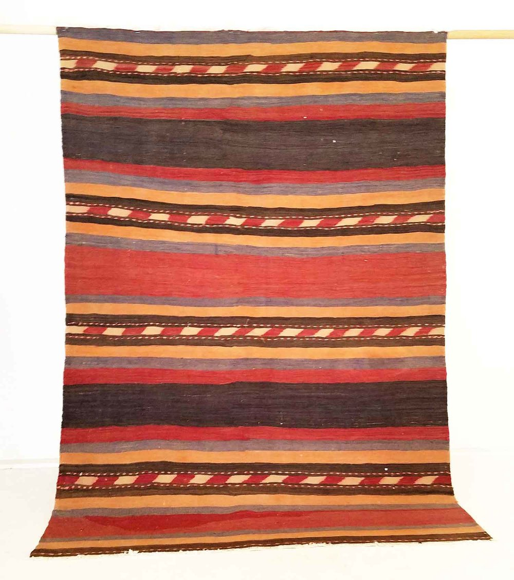 NO. 0150 /   PERSIAN KILIM (?) / ? YEARS / 7'0 x 4'11 FT