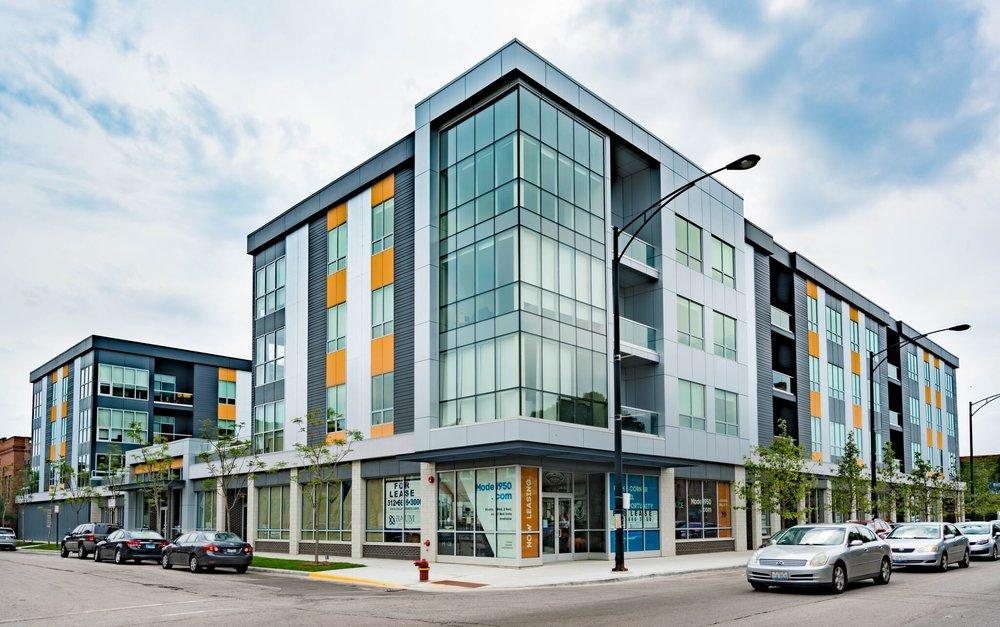 mode logan square apartments -