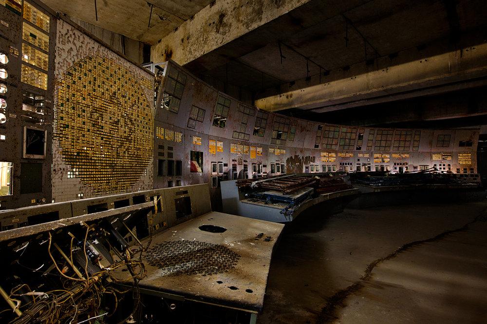 140326-long-shadow-chernobyl-ludwig-02.jpg