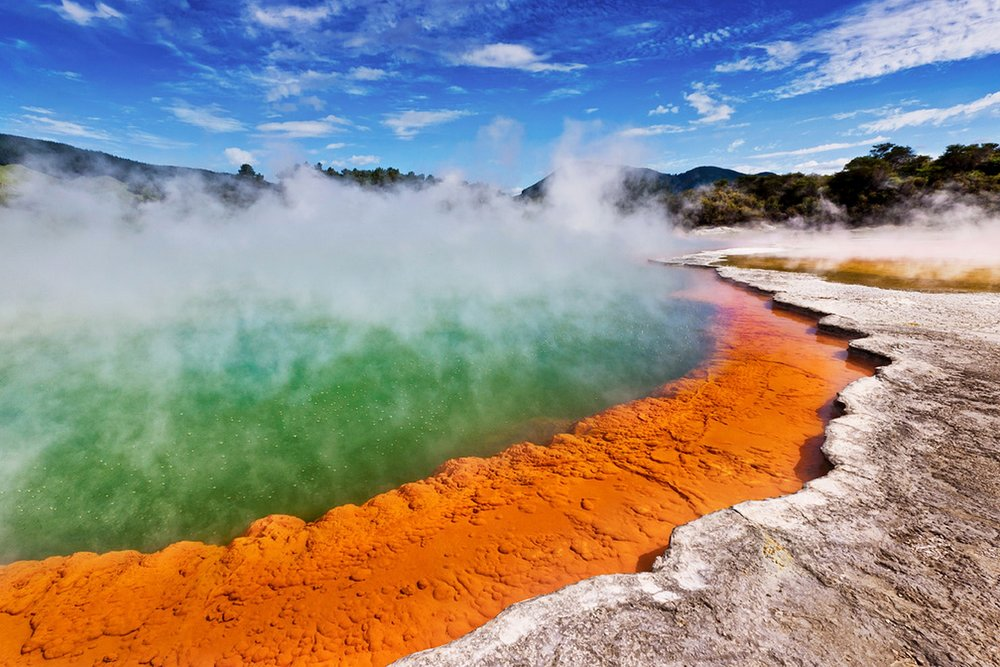 Hobbiton & Rotorua Tour(including Wai-O-Tapu) - From $329 NZD per person