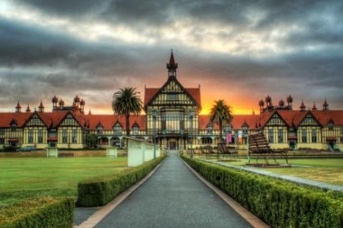 Hobbiton, Waitomo, Rotorua & Taupo Combo - From $650 per person