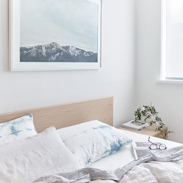 Early January when not much happens in a rush. The best time of year. ☁️ 🙌🏼 #bed #stayinbed featuring our solid oak bed from the FIRST collection. Photo by @haydncattach