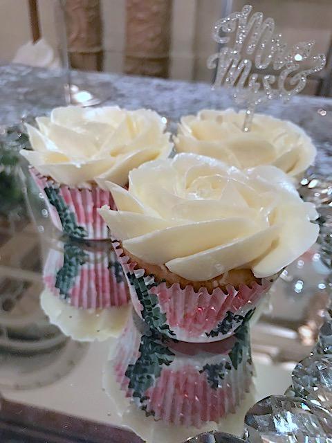 bridal rose cupcake.jpg