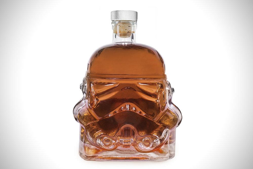 Original-Stormtrooper-Decanter-00.jpg
