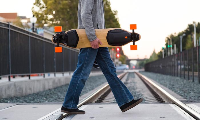 ELECTRIC-SKATEBOARD-COMMUTE.jpg