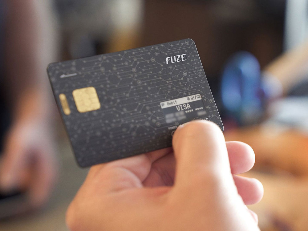 Fuze Card - The smart card can store all types of debit, credit, gift, reward & gas card up to thirty cards.
