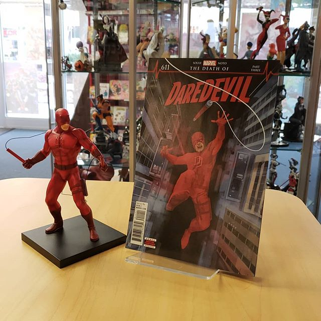 Dont forget to grab the new issue of #daredevil this week remember he's also in the new #marvelknights that released last week! You can also get this awesome #statue of #mattmurdock in full costume!  #marvel #dd #comics #fisk