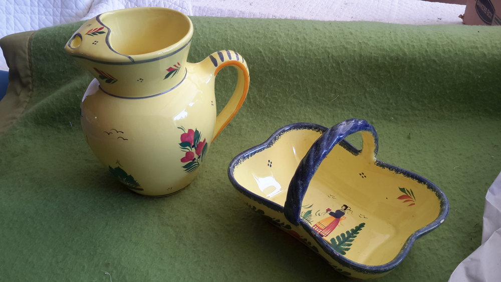 Quimper pitcher and bowl with handle.jpg
