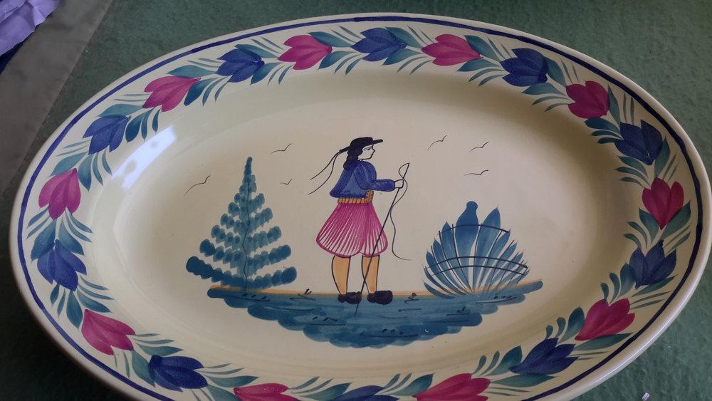 Quimper round platter.jpg