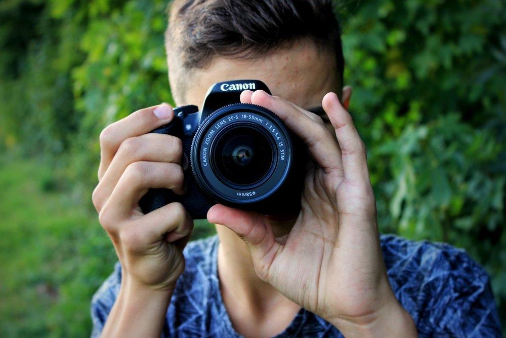 camera_canon_man_len_photographer-126757.jpg!d.jpeg