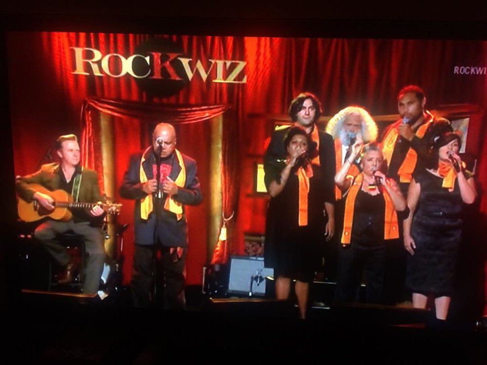 Rockwiz Singing with Archie Roach
