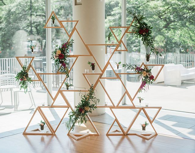 Isn't this geo shaped backdrop absolutely stunning?! Kathleen from @craftsmndesigns recently reached out to me and let me know that this beautiful piece can be rented!  Her husband built it himself for their own special day and want to share it with other brides.  But it gets better... they do custom wood work, so you don't have to stick with this one piece!  Feel free to email or call me (information in my bio) to get their information, but definitely go and give them a follow @craftsmndesigns 📸: @jodysavagephotography 💐: @lakeharrietflorist