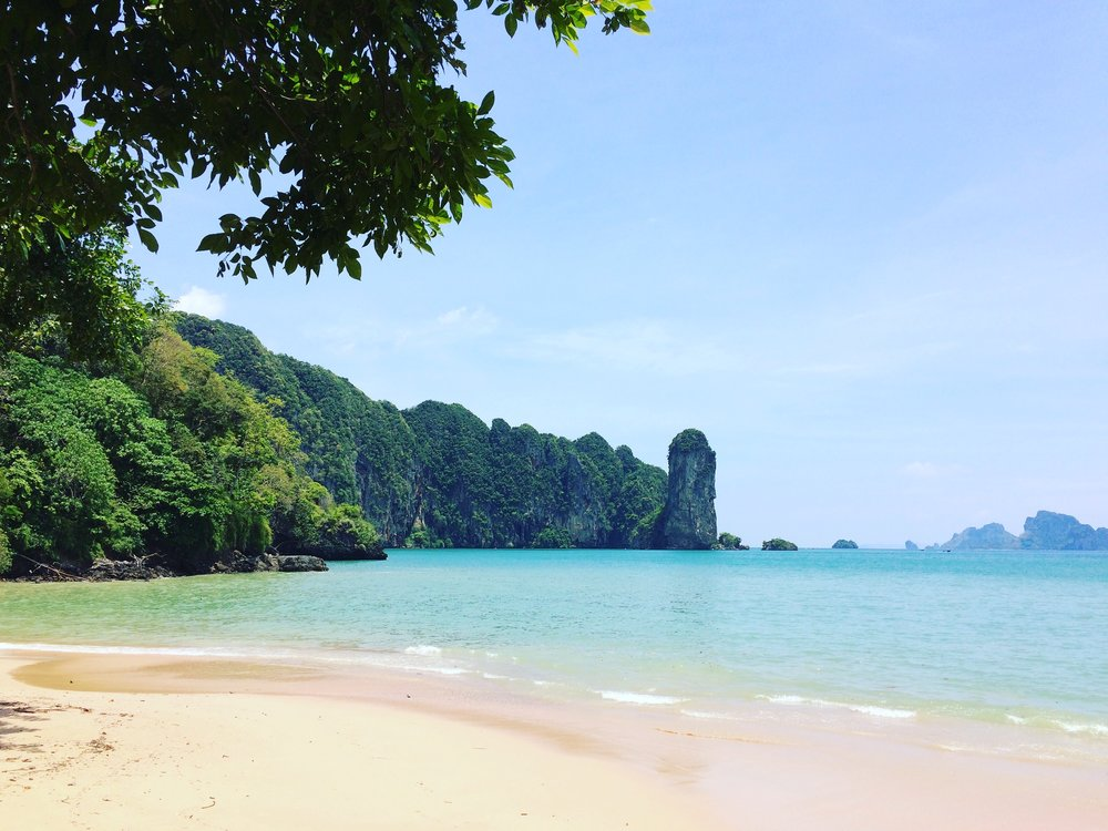 ….    Ao Nang Beach - Krabi, Thailand    ..    หาดอ่าวนาง กระบี่, ประเทศไทย    ….