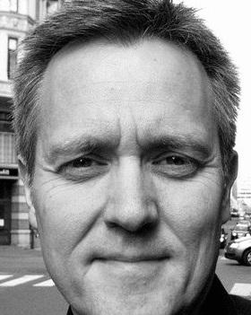 Per Erik Kise Larsen - er direktør i Det Norske Kammerorkester, hvor han har vært siden 2004. Før det var han flere år i NRKs kulturavdeling, samt mange år i stillingen som orkestersjef i Oslo-Filharmonien. Han er utdannet fagottist fra Østlandets Musikkonservatorium og NMH