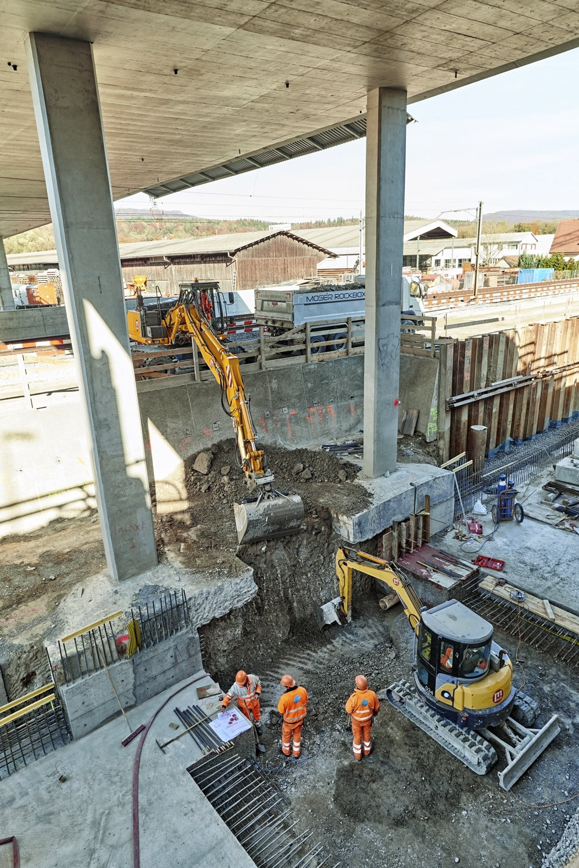 Bis die neue Verbindung zwischen Olten und Aarau in Betrieb genommen wird, dauert es noch eine Weile. Ende 2020 soll der Ausbau auf vier Spuren abgeschlossen sein.