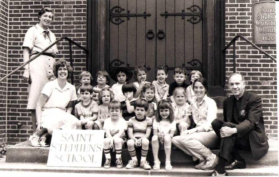 1980-1981-group15.jpg